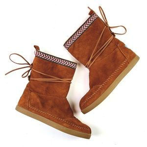 Toms // Suede Trim Nepal Boots